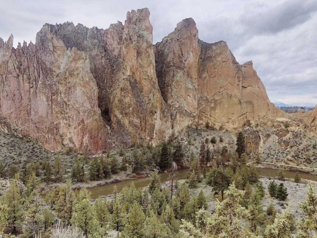 Hiking Smith Rock State Park in Bend, Oregon