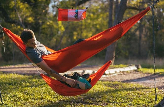 Kammok Joey Gear Sling with a man in a hammock